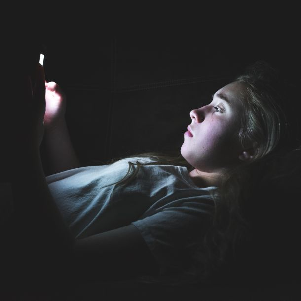 Social Media Use, Sleep, and Affect in Young Adults (1 CE)