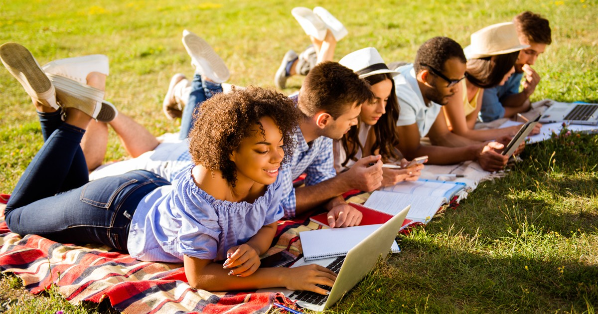 How to Stay Motivated to Study During the Summer